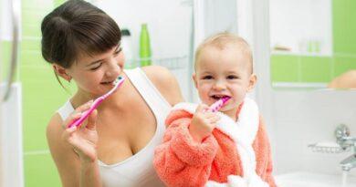 Как начинать чистить зубы ребенку