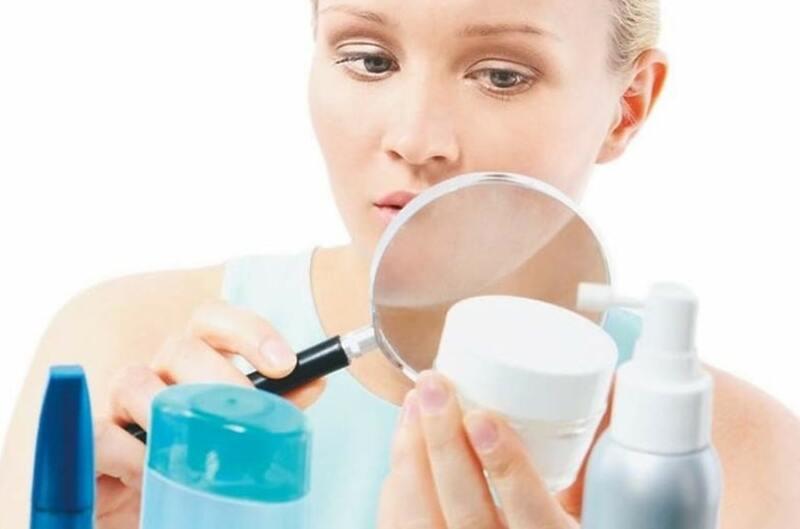 Как подобрать косметические средства курящим женщинам