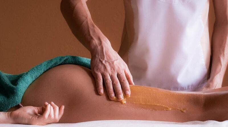 Антицеллюлитный медовый массаж в домашних условиях