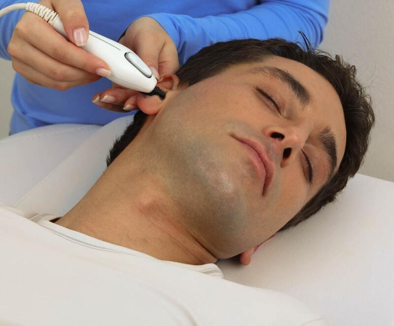 Удаление волос в ушах. Основные виды